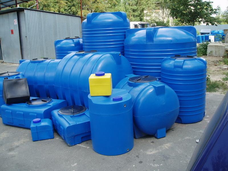 Преимущества пластиковых емкостей для жидкости