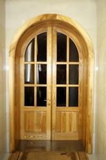 Двери из массива, натуральное дерево. Деревянные двери