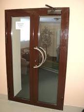 Алюминиевые двери. Двери в магазин, офис, салон красоты.